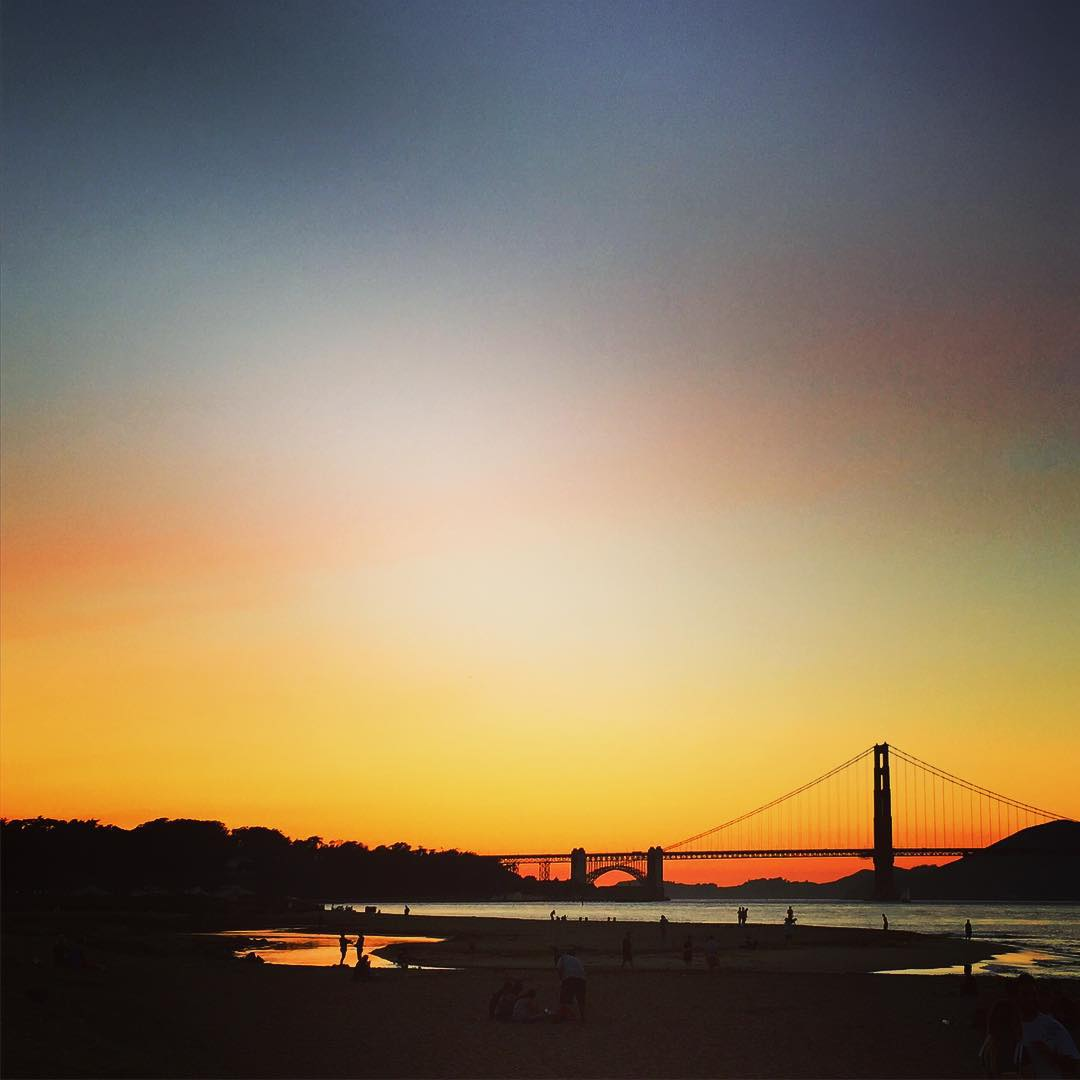 Summer contd... #90Degrees #sanfrancisco #urbanbeach #citylife #sunset #sunsetchaser