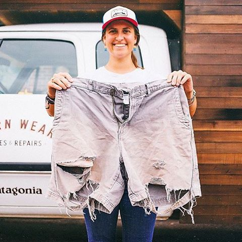 "1% for the Planet's own @paulinejstevens last week at the @wornwear @patagoniabtv stop. ""My Dad's an organic vegetable farmer and wears these Stand-Up's everyday. His main concern is that there's a little hole in the pocket."""