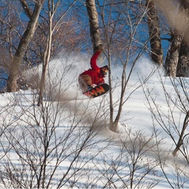 @rakejose421 riding it all on his #Jetson #futurefreeride board , #smokininjapan