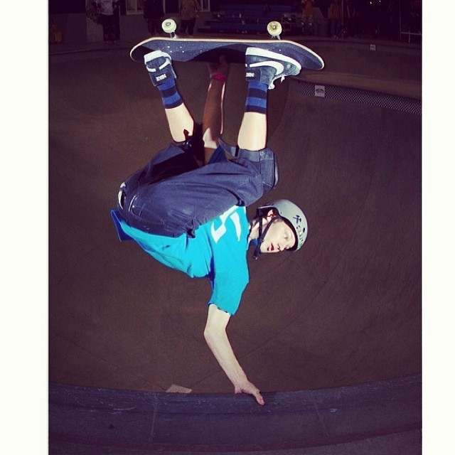 Regram @sk8session photo of #tristanrennie @santacruzskateboards @nikesb @independenttrucks @s1helmets #combi #skateboarding #fsinvert