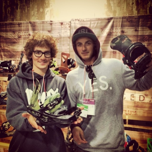 @leonard_mazzotti and @mulfs_ at the Flux booth at @fluxbindings_jp's SBJ show! #thefluxlife #worldfamily #fluxfamily