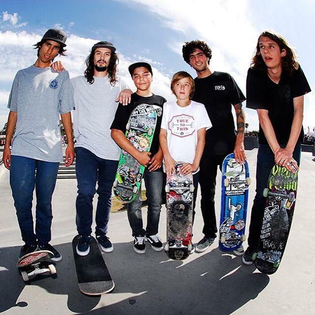 Otra del sábado: el team de skate de Vans Argentina completo para patinar junto al maestro Tony Alva