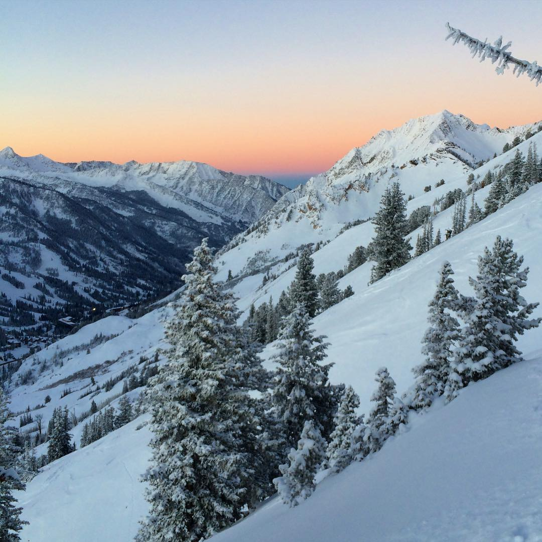 dreaming of early mornings in little cottonwood canyon, racing the sun to the top of mountains... //