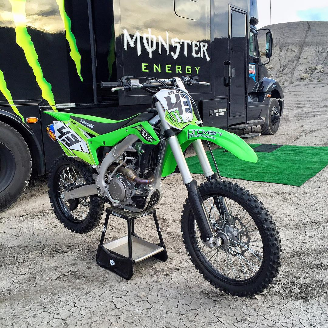 Bike prepped and ready to shred. Special thanks again to @Kawasaki for bringing one of these back into my life. Also thanks to local shop @ProvenMoto (in Heber), who did the prep of the bike and added a new FMF pipe, and worked with Ryno Designs on the...