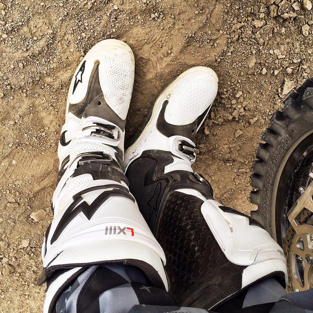 #KOTD: brand spanking new @AlpineStars Tech 10 motocross boots. Love these things - feels good to have moto boots on again. #motolife #desertrat