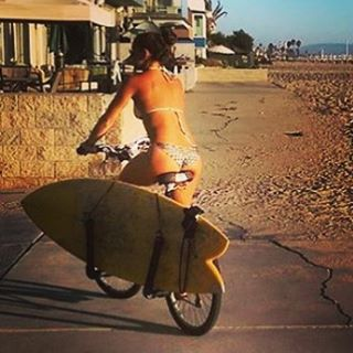 CONGRATULATIONS to SouthBay LA's @meaghandost , who is cruising away with the new custom #ECOBOARD ( courtesy of @etechboards ) for submitting her randomly drawn photo of participating in the first ever #BiketoSurf Week Contest.