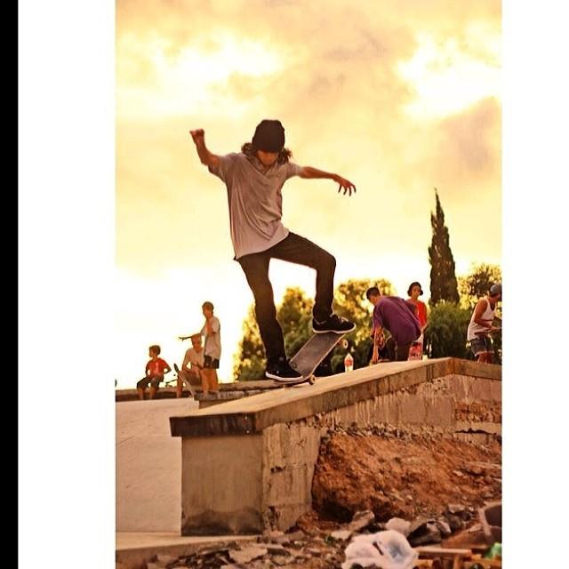 Santi Rezza @santirezza en SkatePark  Berisso PH: @jorgallery #volcomfamily #skate #volcom #volcomstone #SantiRezza