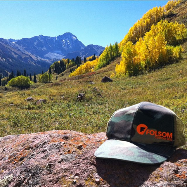 The leaves are changing, the days are getting shorter and it's finally cooling down. That can only mean one thing #winteriscoming #capitolpeak #assssspen