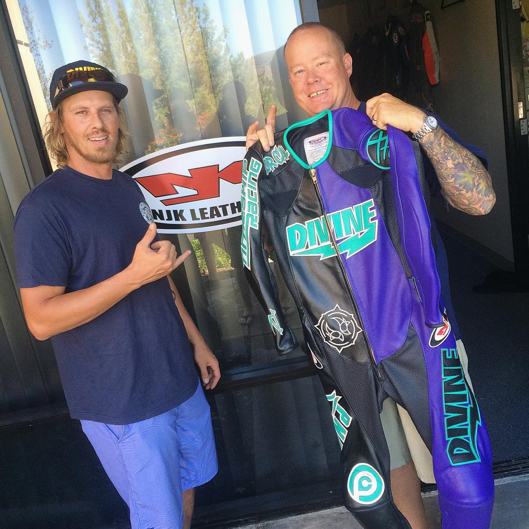 On the way north the boys made a stop by the one and only @njkleathers. This suit got done just in the nick of time to save @levipurple's ass (literally) for the #santagnarbradownhill. Whatcha think? #divinewheelco #divinewheels