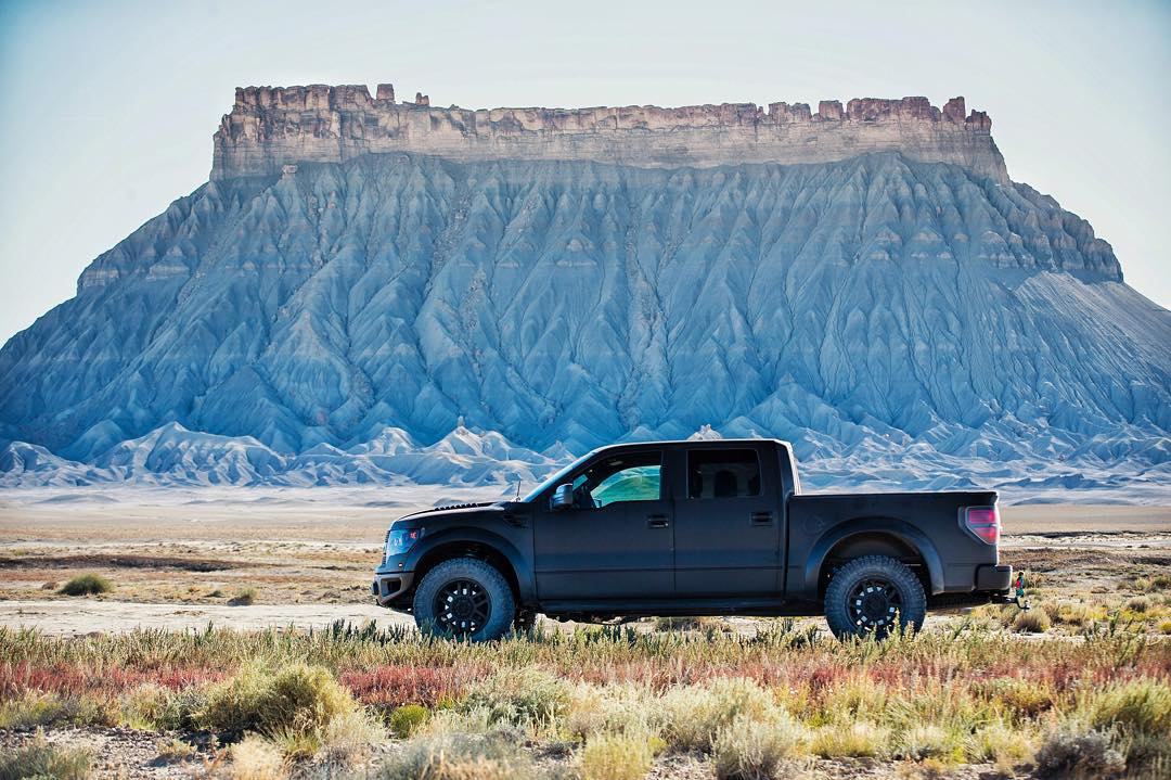 I like big buttes. #FordRaptor #FactoryButte #UtahGram #familyshredication
