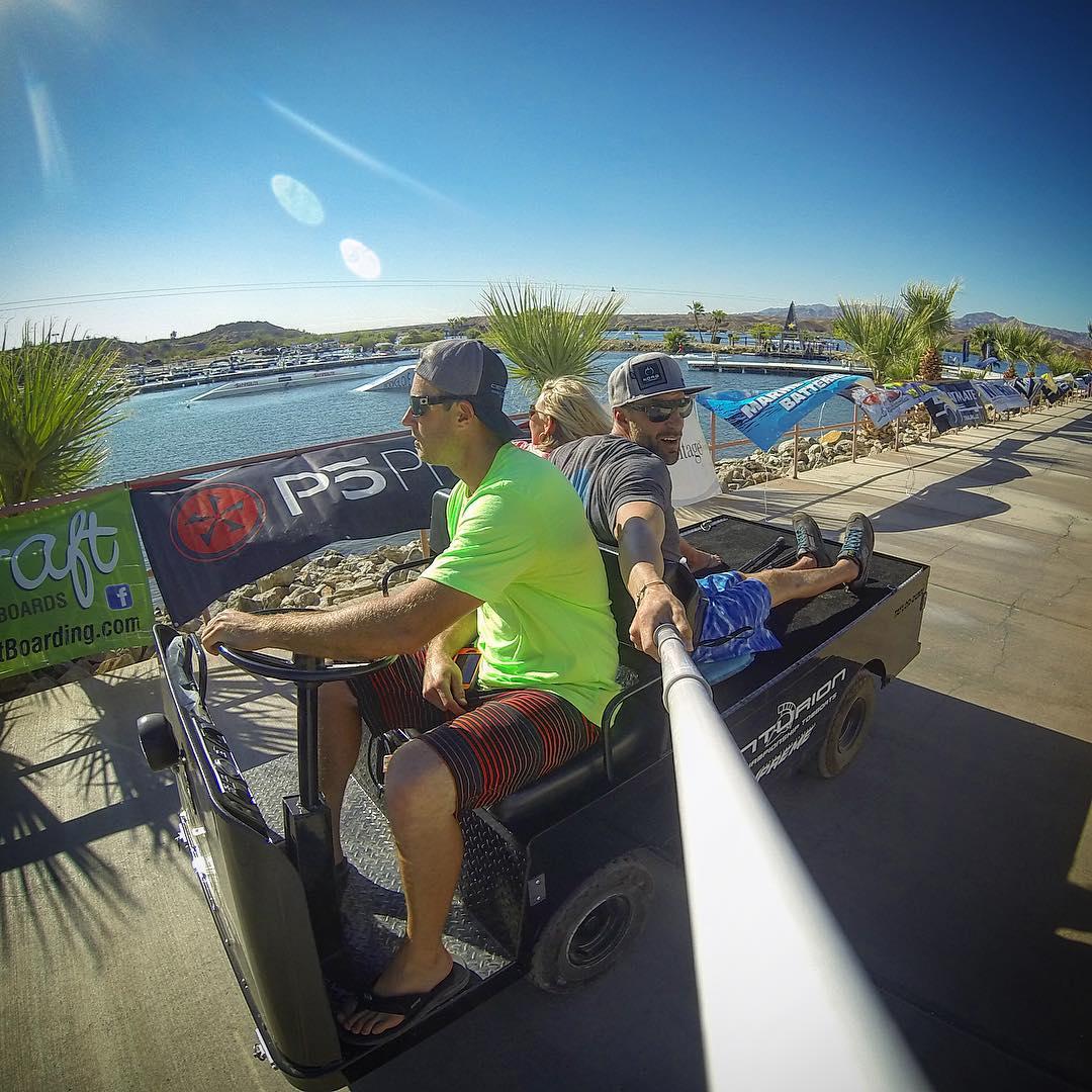 """Where we're going, we don't need roads..."" In bound to #SurfTown with @shawnakorgan, @daniel_indelicato12, & crew | @centurionboats | #TeamCenturionBoats | #WWSC15 | @inlandsurfer | @bodyglovewake | @gopro | @gopole | #taylordunn | #SmilesForMiles |..."