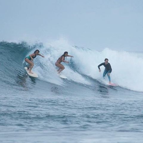 WEEKEND VIBES | PARTY WAVES #outerbarebabes @seasachi @suziehanayang @biancavalenti showing life's best surfed together ~ #OBB #mentawai #indonesia #girlstrip #travel #surf #surfergirl #boattrip #partywave #surfleggings #OKIINO