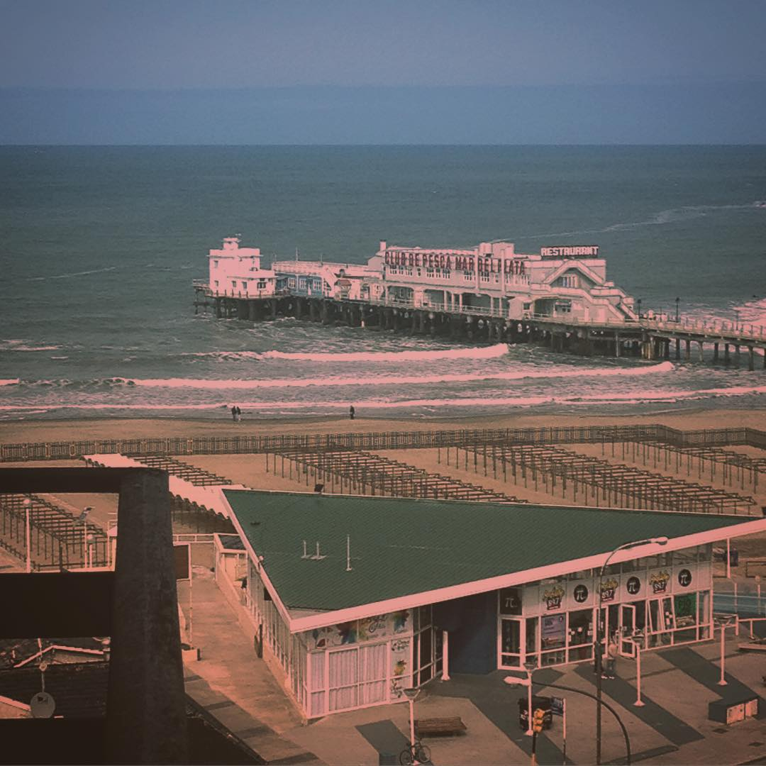 urabn tiene ocean view #mardelplata #urbanroach #escenasplayeras #beach #espigon #bristol #oceano