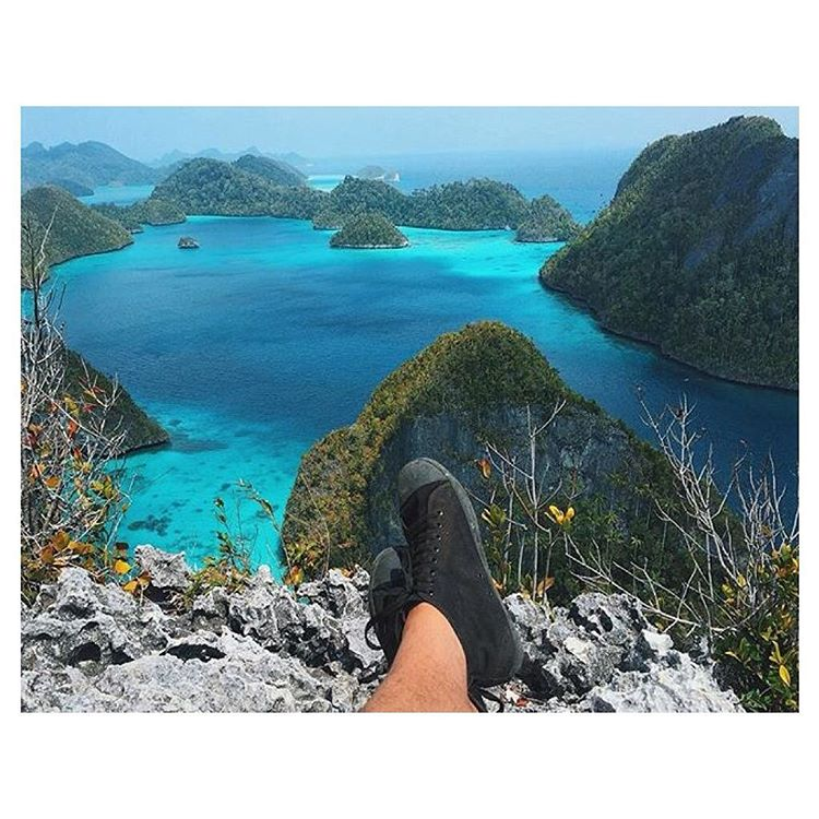 @keenanpearce takes a moment to take in the outstanding view at Raja Ampat