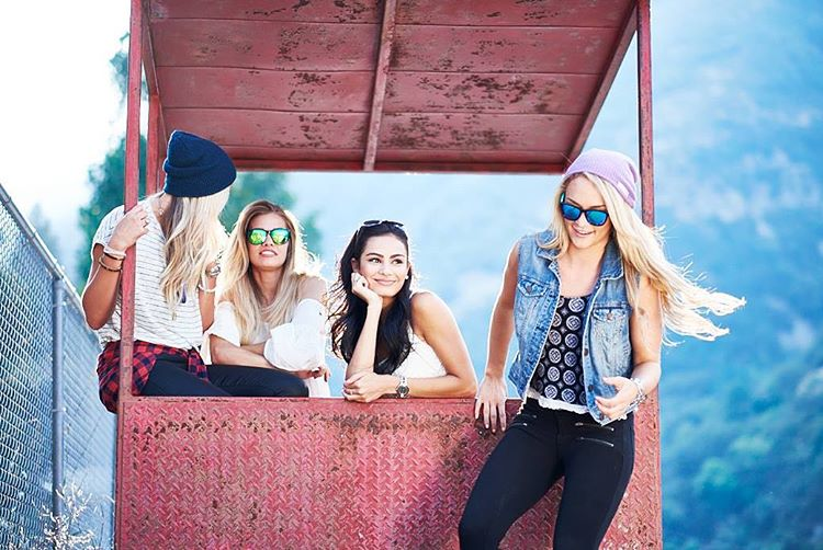 Flannels, Friends, Beanies! Who's your squad? Beanie: Deep Blue & Lilac Stay warm. Stay cool. Kameleonz.com