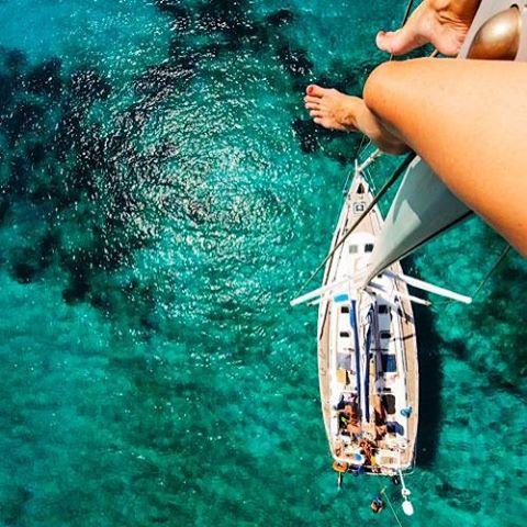T O E S // G O E S #luvsurf #jumprightin #perspective #ocean #seekthesea