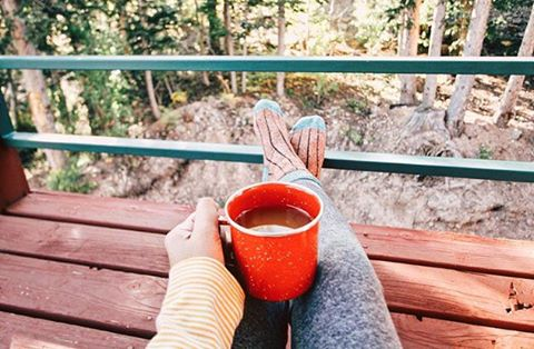 Cozy morning in our Threads celebrating #nationalcoffeeday ☕️ #morecoffeeplease #fallweather #livesustainably
