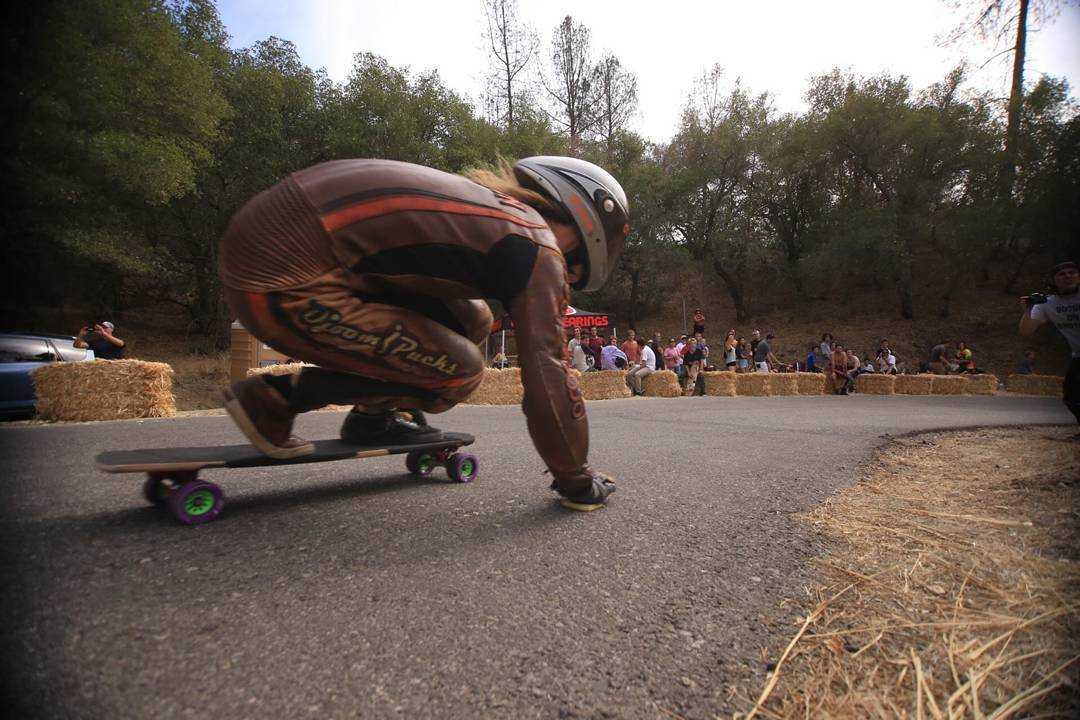 Shot straight out of a cannon like a flying fist to the face, @dusty_ham charges head first into the Tarantula filled territories of Santa Barbara for the #santagnarbaraoutlaw over the weekend.  #Orangatang #Purple #kegels