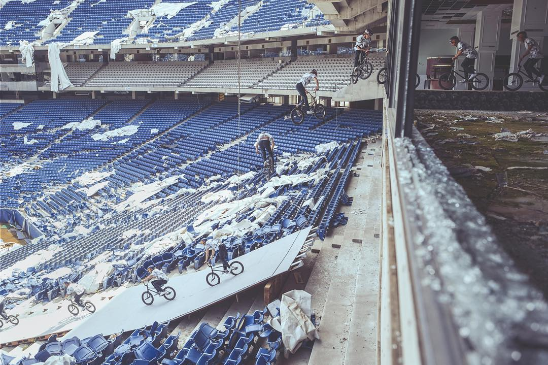 From abandoned Silverdome to @tylerfernengel's dream BMX playground. Click the link in our bio for the full story.