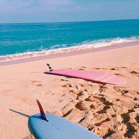 S A N D Y #luvsurf #finsup #beachviews #surf