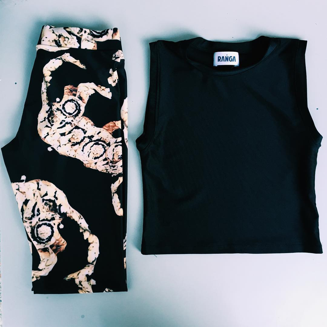 Night Outfit ✨ Legging Beijing + Top Negro