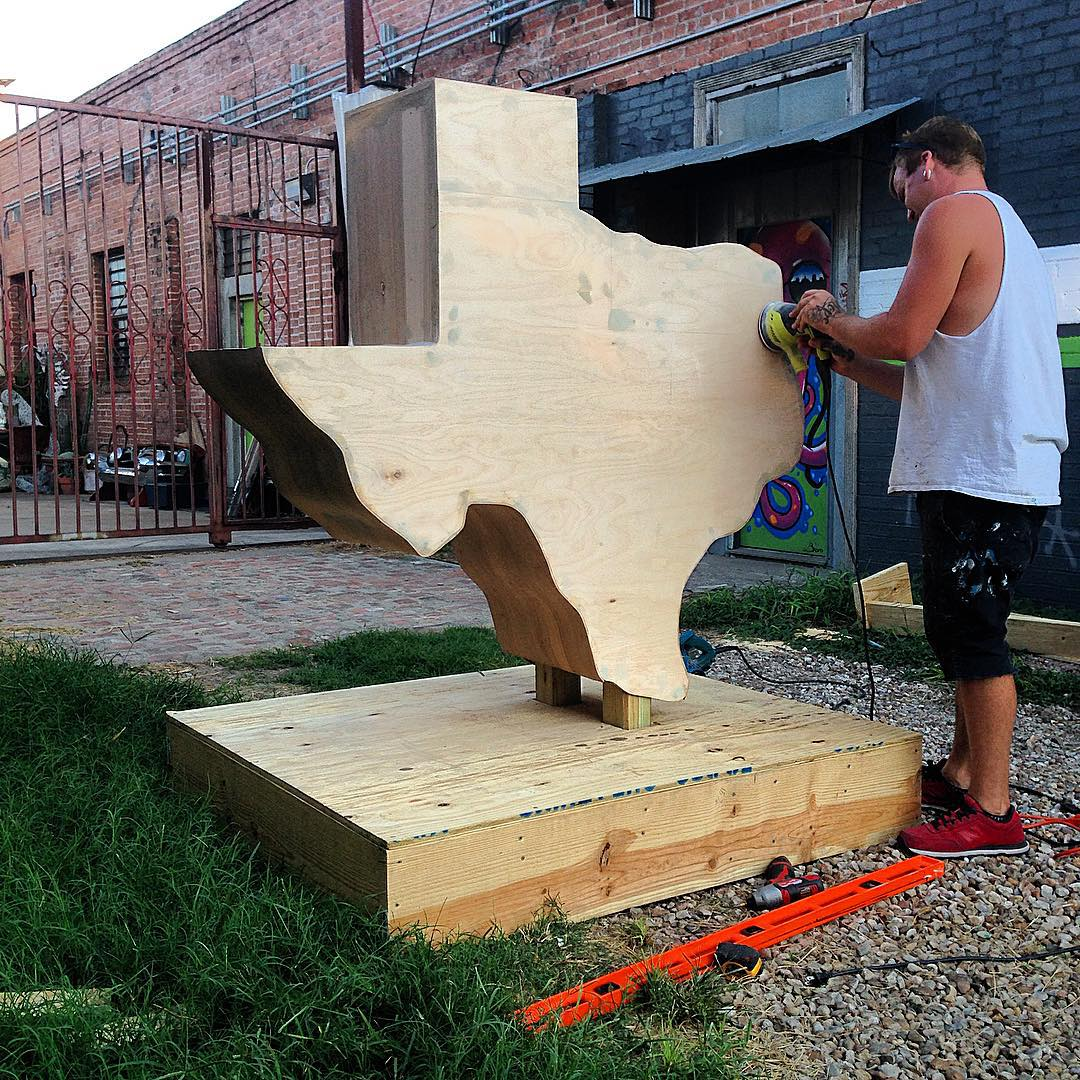 "Texas being ""Made in Texas"". • • @blvdart sanding her down to get ready for ACL. • • #atx #austintx #tx #texas #spratx #ACL #AustinCityLimits"