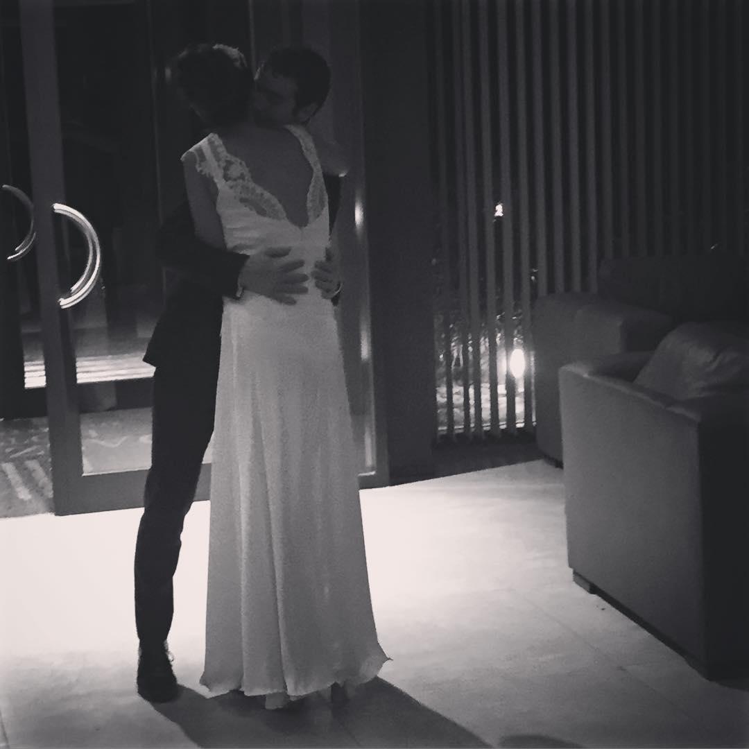 Abrazos que sellan lo que continua! #jgb #bridal
