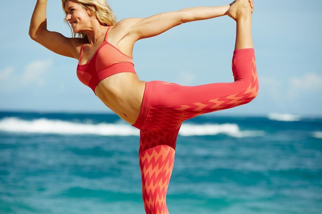 Say Namaste in style! Grab your friends and sign up to #RUNSUPYOGA Sydney, Okinawa or Hossegor here roxy.com/runsupyoga