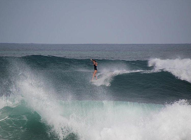 #AkelaSurf Rider Kaitlin Maguire @kaitlin_maguire  #activegirl #surf #surfswimwear