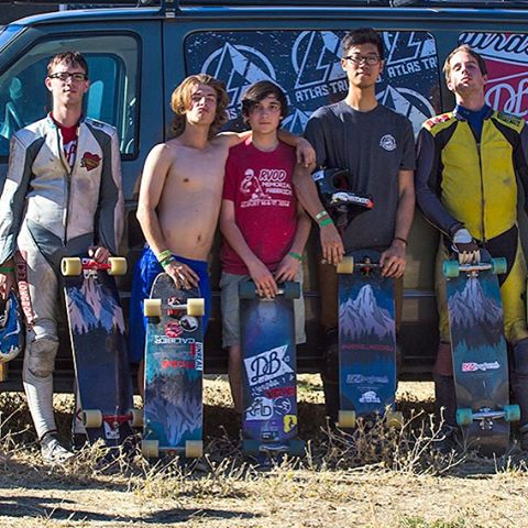 The crew at the Maryhill Freeride last weekend with their Keystones. Follow the link in our bio for more photos. #maryhillfreeride #dblongboards #dbkeystone