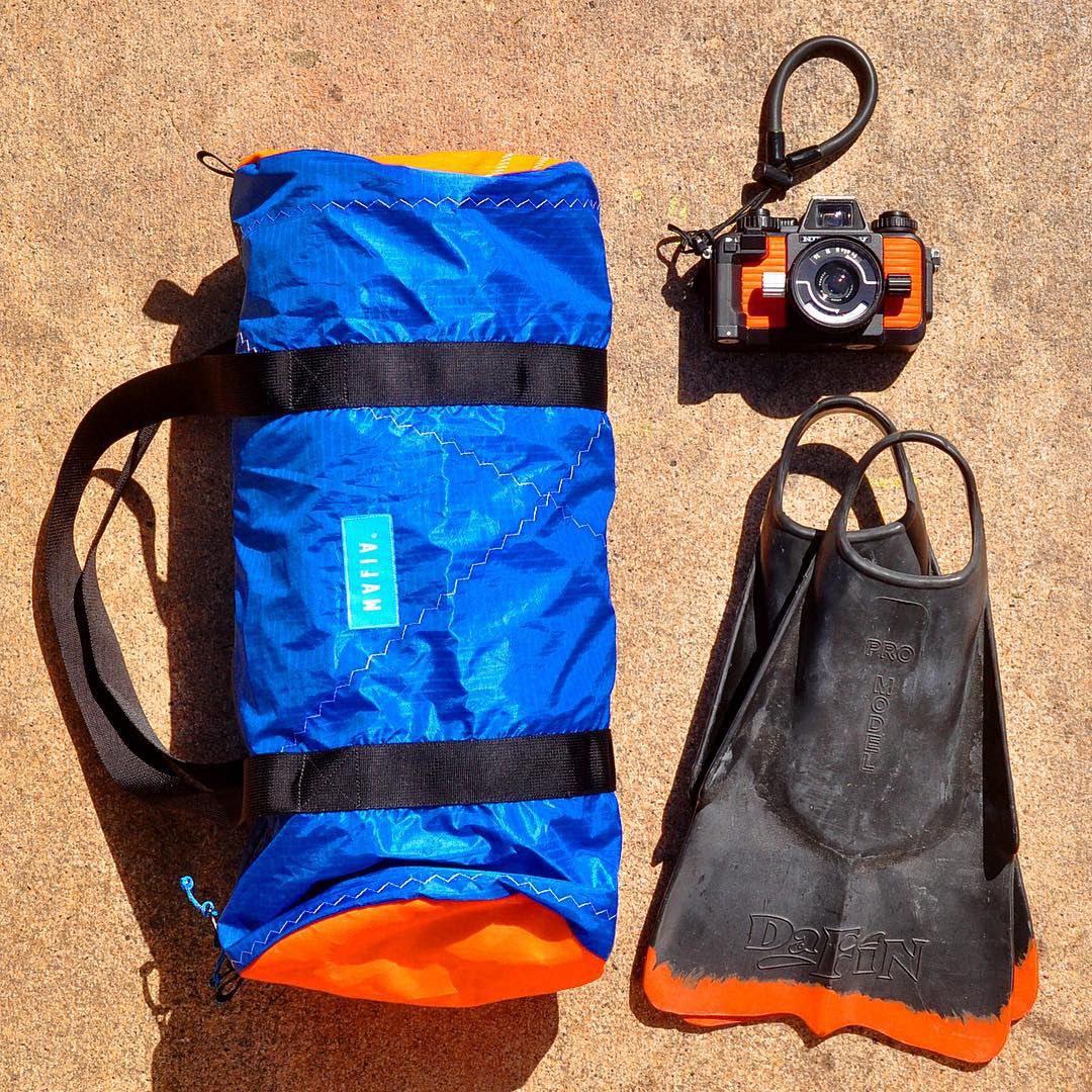 Preparing for a weekend in the sun, surf & sand with our Day Off duffle bag, @dafinhi fins & @nikonos_project camera! All Mafia products are built to withstand the elements ☀
