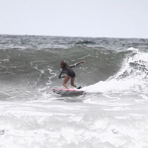 CHARGE IT // chasing bombs with team rider @breesmithsurfer #luvsurf #luvsurfgirl #team #charging #droppingbombs