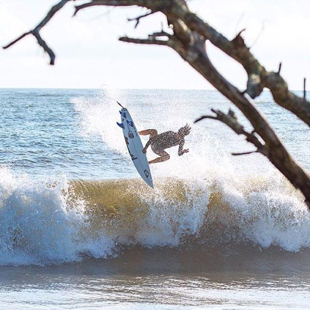 Ryan Briggs (@briggzsmalls) jumping for joy with Juaquin.