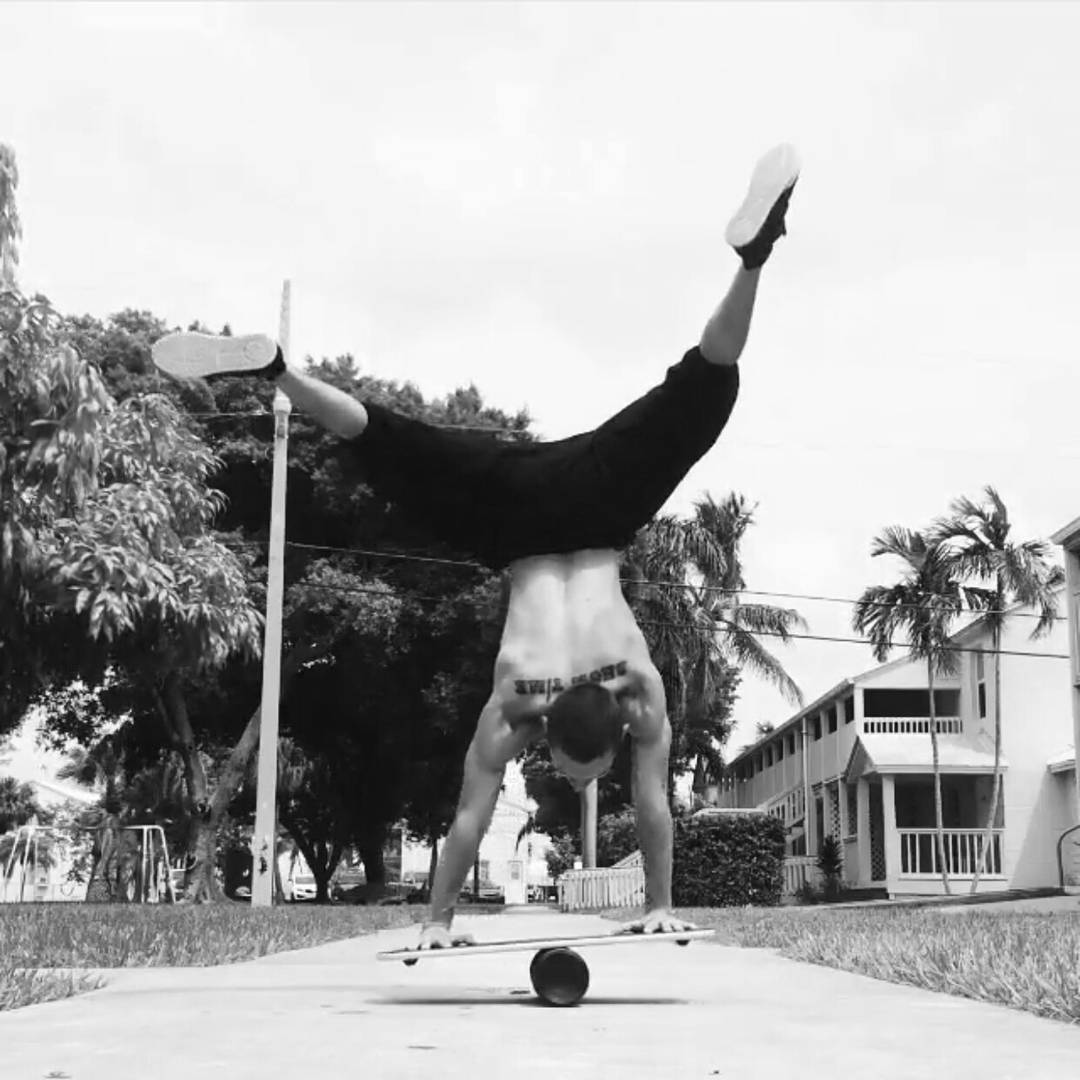 Friday hand stand!  Anyone else up for the challenge? #revbalance #findyourbalance #balanceboards #madeinusa