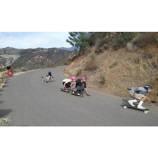 @ryka_obg leads #calibertrucks riders @quentingachot @samsquach96 and @jasperohlson in a heat at #santagnarbaradownhill