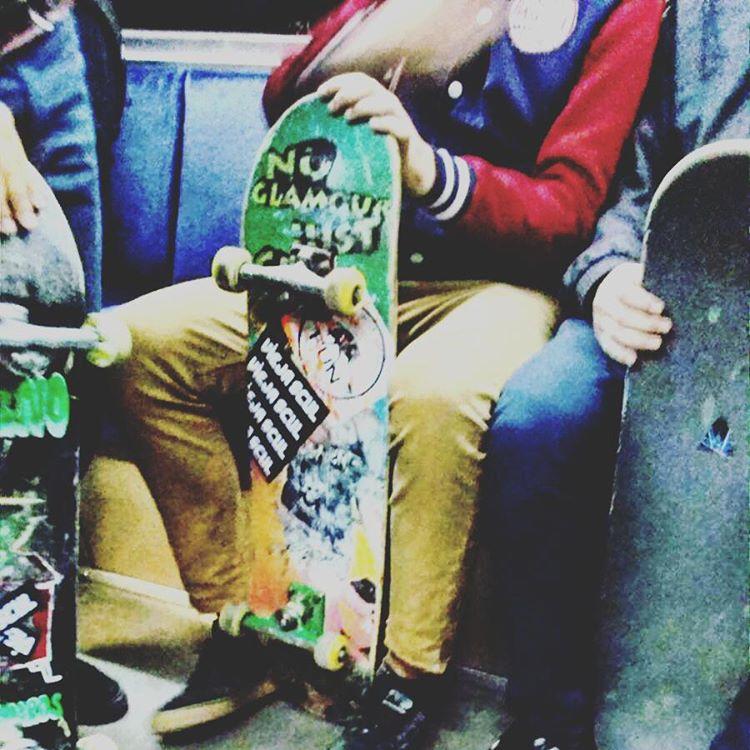 Linda tarde para salir a chantar #skate #skatepark #houssay #tee #skateshop #lifestyle #ViejaScul