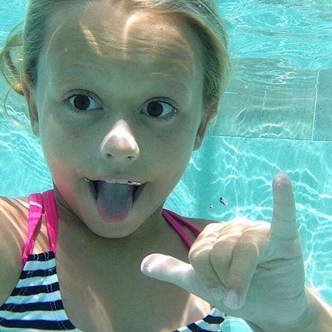 SHAKA // team rider @breesmithsurfer #luvsurf #luvsurfgirl #shaka #underwater