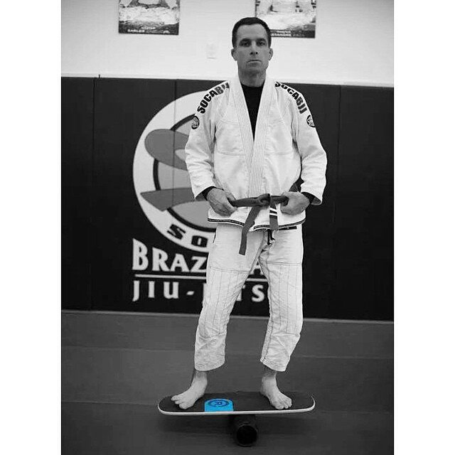 Balance Board and Jiu Jitsu meet. Jiu-jitsu_john  taking his game on the mat to the next level by training with our #101Board . Oss!  #revbalance #balanceboards #jiujitsu #jits #timetoroll  #training #oss #balance #corework