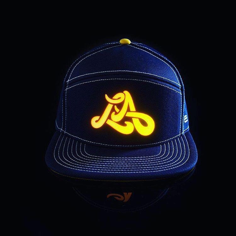 The LA hat is back in stock ... link in bio!!