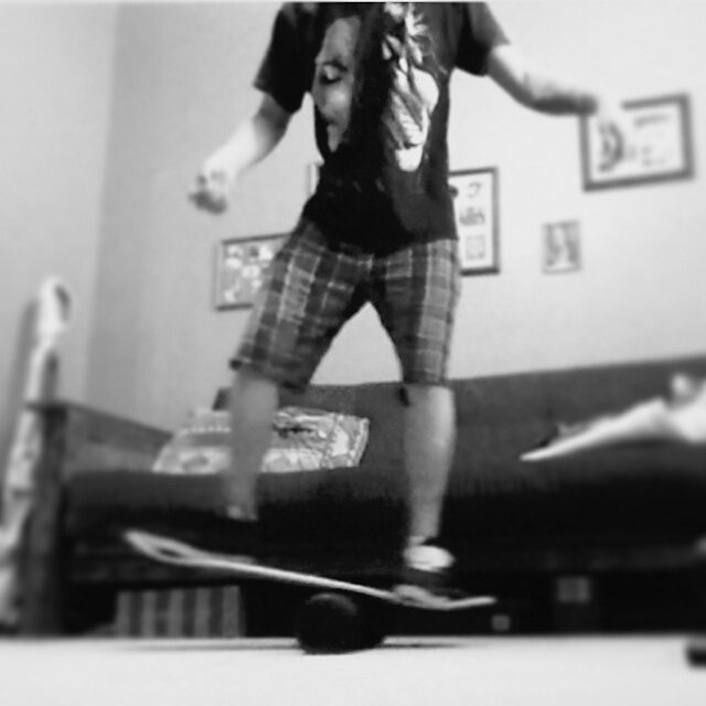 Andrew getting on his 101 in his living room.  Where do you find your balance? #revbalance #findyourbalance #balanceboards #madeinusa