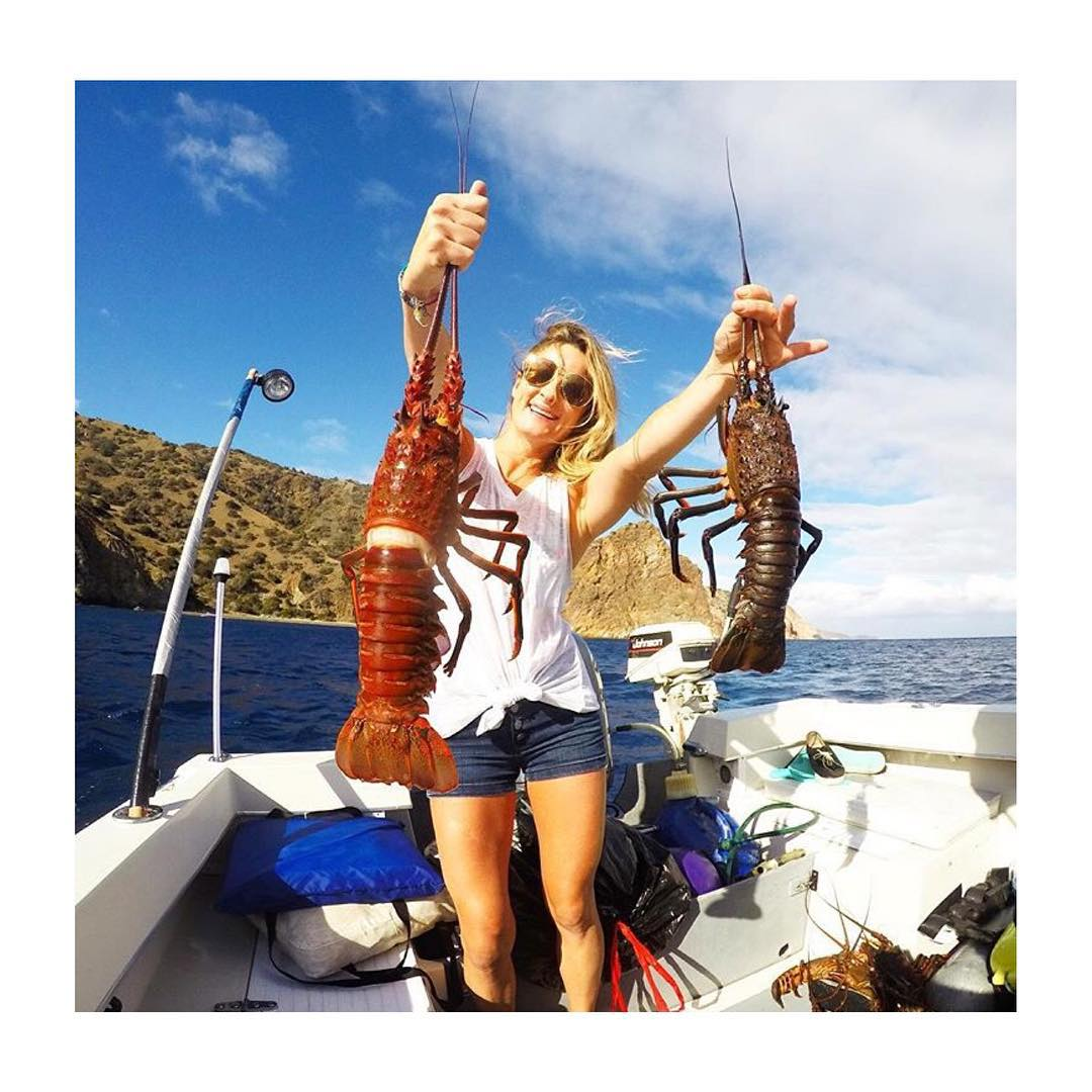 It's Lobster season!! Hoven Team rider @melissa_marquardt playing hide and seek with lobsters this past weekend.  #hovenvision #lobster #earnyoursalt #teamhoven