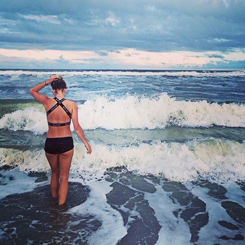 #AkelaSurf Ambassador @harah.sansen #florida #fashion #surfswimwear #activegirl