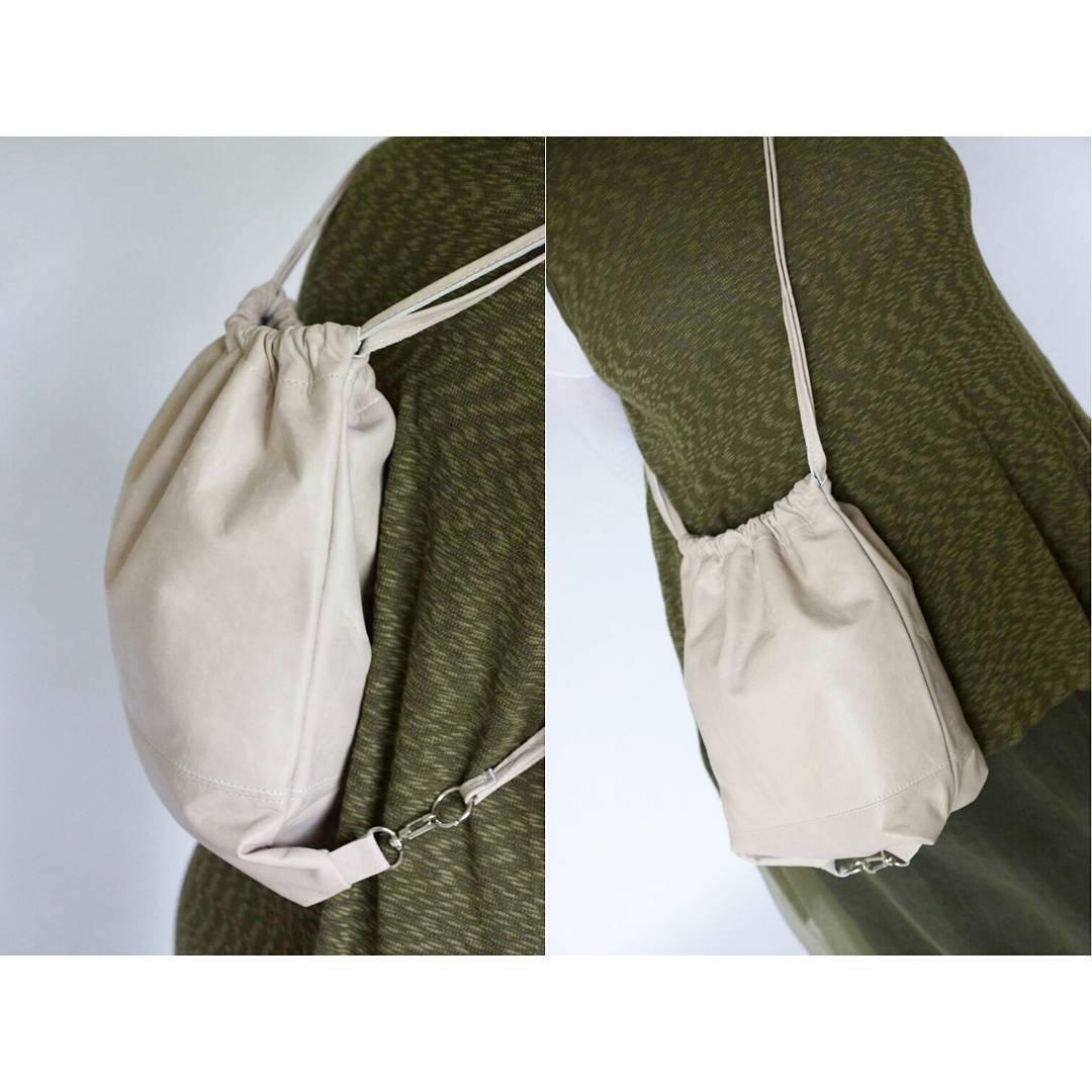 LIRIO • Es mochila y cartera y es IDEAL PARA MAMÁ en su día. Conseguila en www.mambomambo.com.ar  #felizdiamama #diadelamadre #cartera #mochila #hechoenbuenosaires
