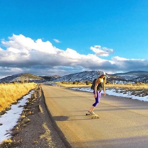 Only a matter of time before Flylow's @meredithdrangin trades in 4 wheels for 2 planks. #winteriscoming #streetsurfing #colorado #tacotuesday  #embracethestorm | #flylowgear