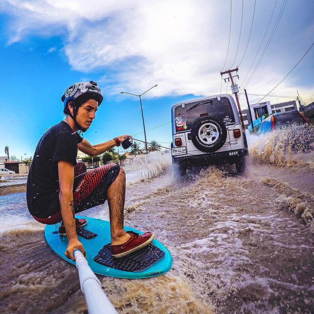 @agustinfrias skimboarding the streets of La Paz, Baja California Sur. GoPro HERO4 | GoPole Reach #gopro #gopole #gopolereach #skimboarding #jeep