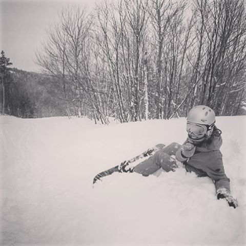 Can't wait for the snow to start falling so we can start flailing! sisterhoodofshred #alpinebabes #snowboarding #winteriscoming