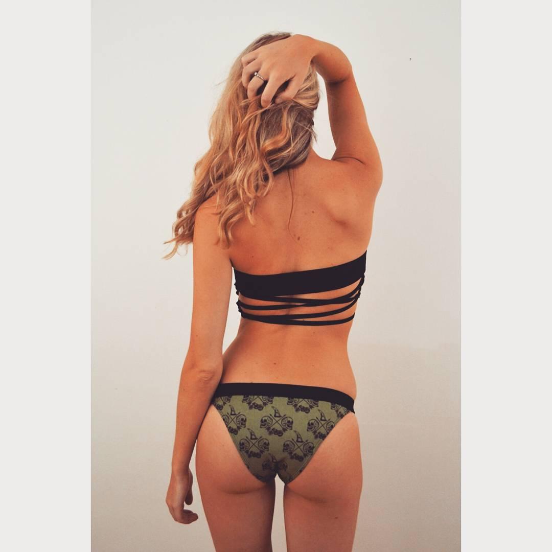 #AkelaSurf New Collection Servio Anez Available soon Online Ambassador Alexandra Ross @anouckross #fashion #activegirl #surf #surfswimwear