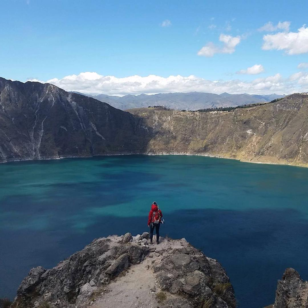 #Quilotoa is a water-filled caldera formed by the most western volcano in the Ecuadorian #Andes. ‪#ASCmicroplastics adventurer @stevieanna takes in the epic, two-mile-wide view.  #adventurescience #capturerad #humanpoweredadventures
