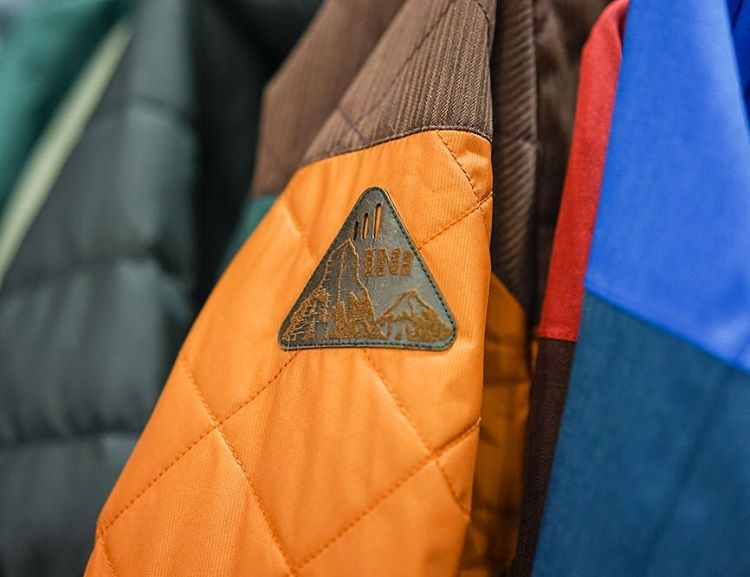 It's all in the details. Snow15/16 gear is hitting shops near you. Go out and grab some new threads for the season! #WinterIsComing #StayHumanShopLocal #DibShirt #MindfullyManufactured ♻️