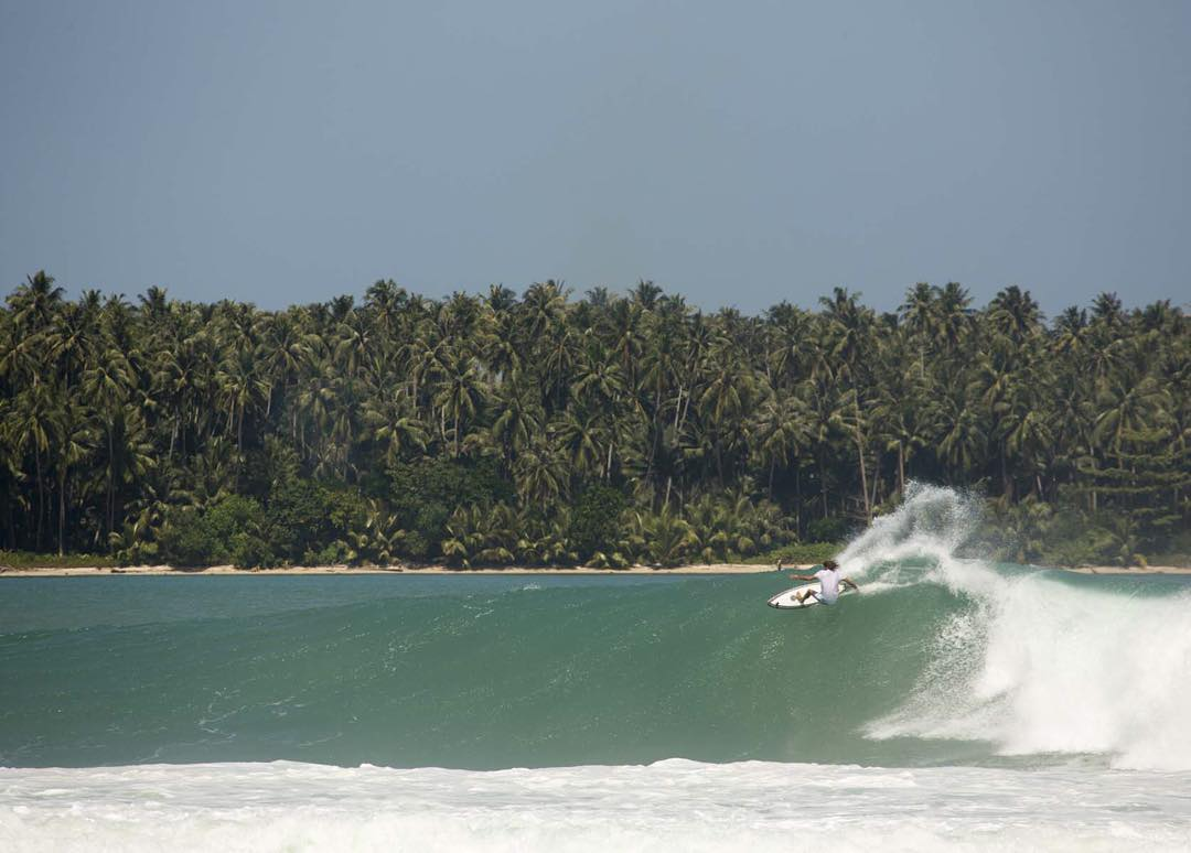 Scoring amazing waves while helping the local villages- this is what the most recent #BillabongxSurfAid trip to Nias was all about. Visit @surfline right now for the full recap feature. @surfaid #lifesbetterinboardshorts